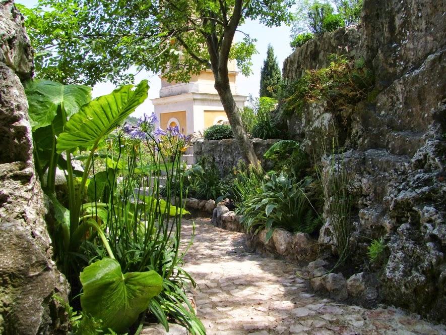 Jardin exotique d 39 ze promenade botanique for Jardins exceptionnels